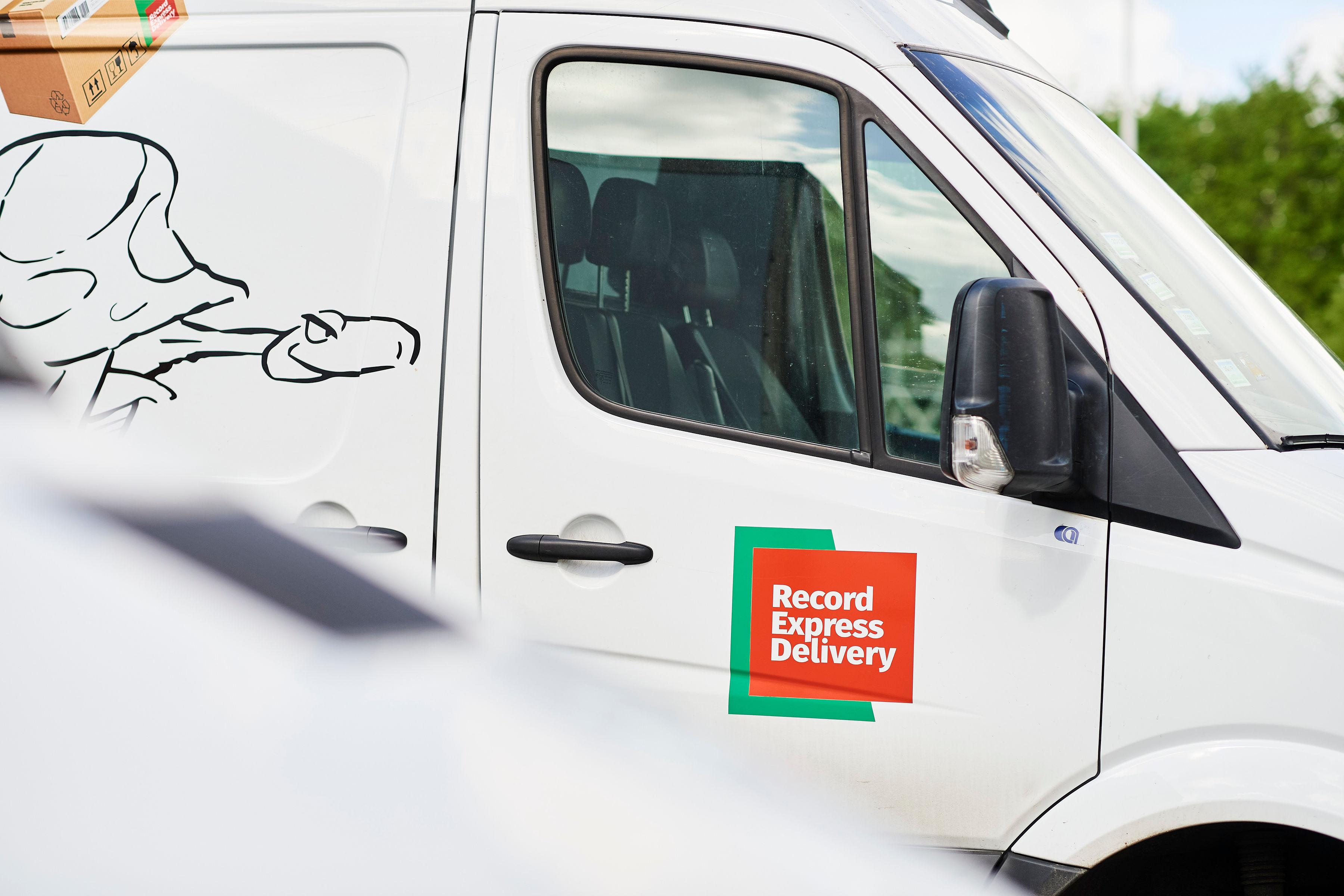 Verhuur van bedrijfsvoertuigen met chauffeur-afleveringsdienst